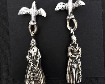 Bronze Queen Earrings