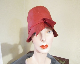 Vintage Antique 1920 s 1930 s Art Deco--Flapper Girl--Depression Era--Red  Straw Sisal Flapper Girl Cloche Hat --0219 8aa9a78667cb