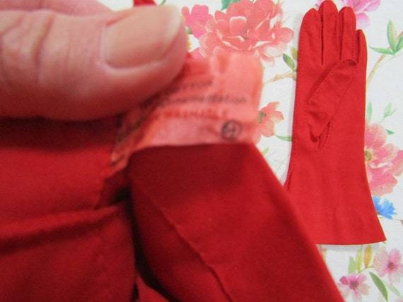 Vintage True Red Pleated Cotton Gauntlet Evening … - image 4