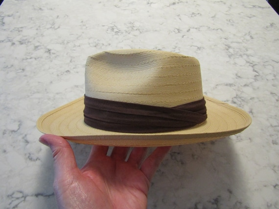 """Vintage 1940's 1950's """" The Roswelle Hat """"  Middle"""