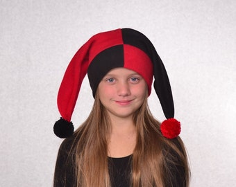 Childs Jester Hat Mardi Gras Carnival  Red Black Patchwork Pompoms Kids Harlequin 2 Point Fleece Girls Boys Clown Hat Jack in the Box