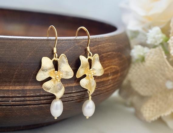 Bridal Earrings Silver Earrings Statement Earrings Floral Earrings Flower Earrings Sterling Silver Dogwood Flower Pearl Earrings