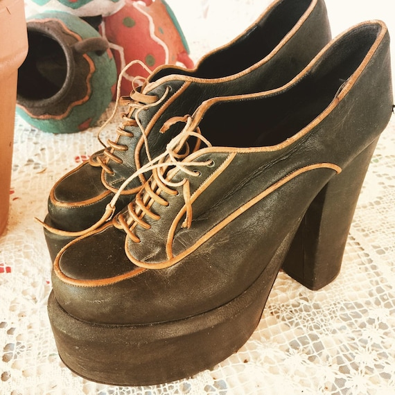 1970s TRUE VINTAGE PLATFORMS High Heels Lace Ups 3