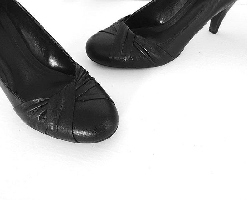 04c7ca0e03 Women Black Shoes Pumps Heels US Size: 8 leather shoe 2 | Etsy
