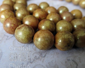 8mm Milky Opaque Pink Green Gold Marbled Czech Glass Beads - Brown Picasso - Round Druk - 25 pcs - Shabby Boho Style - Central Coast Charms