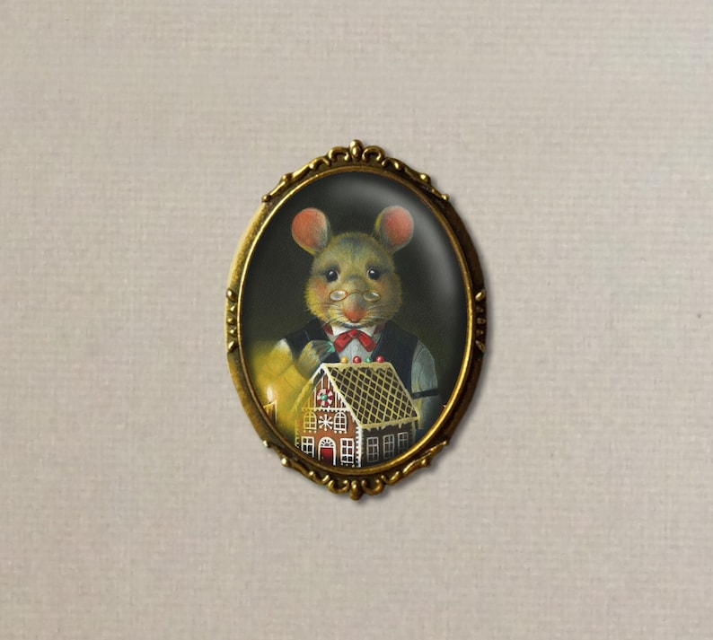 Gingerbread Mouse Brooch  Christmas Mouse Pin  Stocking image 0
