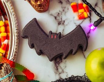 Witchy Gifts, Creepy Christmas, Vegan Bath Bombs, Creepy Cute, Bat Bath Bomb, Batty Bath Bomb, PurePoetryCosmetics