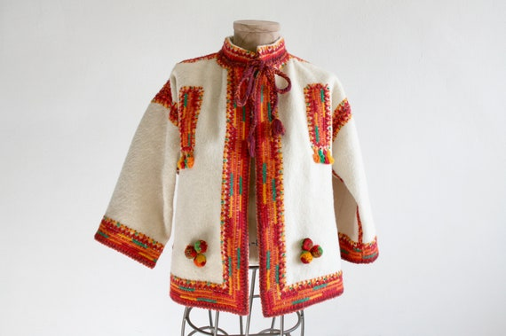 Embroidered Folk Wool Cape Jacket
