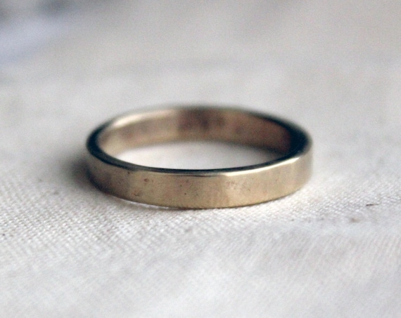 Gold Ring, minimalist band handmade in solid 14K gold