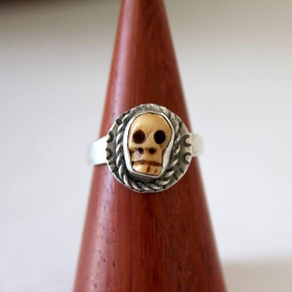 Skull Ring in Sterling Silver