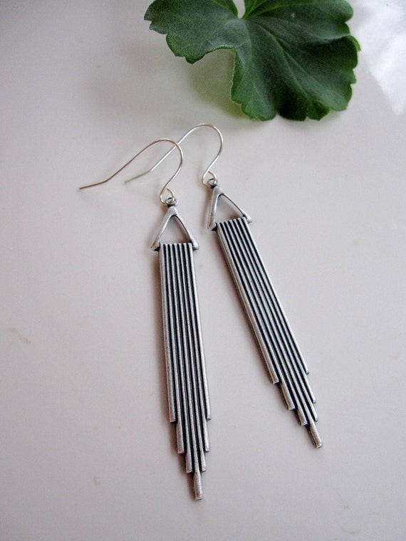 Redpeonycreations Minimalist Jewelry Boho Simple Silver Teardrop Earrings