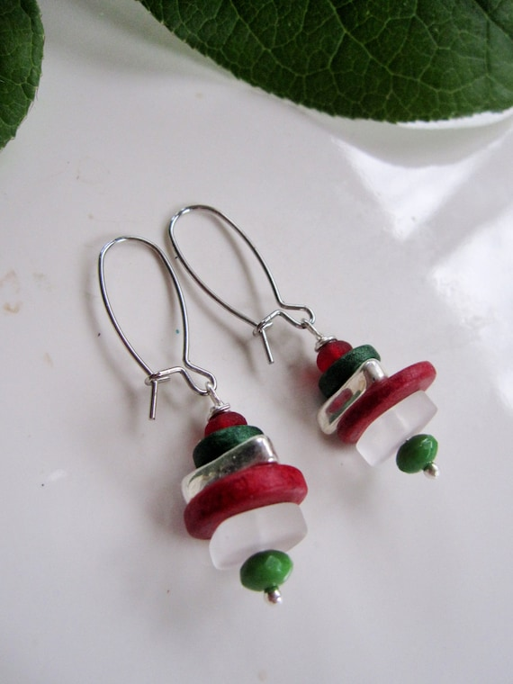 Red and Green Christmas Seaglass Earrings Christmas Shell Earrings Christmas Beach Earrings Coastal Christmas Earrings Beach Jewelry