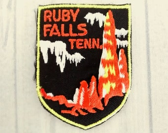 """Used Vintage Ruby Falls Tenn Patch 2.6"""", Tennessee Travel Applique, Lookout Mountain, Chattanooga Souvenir, Volunteer State Memorabilia"""