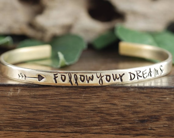 Follow your Dreams Bracelet, Graduation Gift, Inspirational Jewelry, Follow your Arrow, Expandable Wire Bangle, Engraved Jewelry