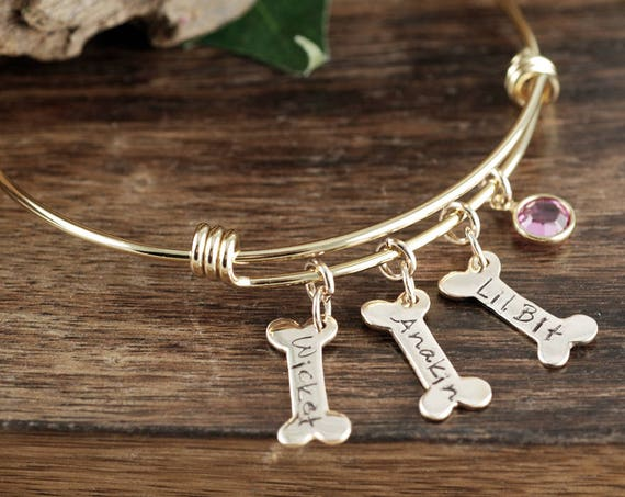 Personalized Dog Mom Bracelet, Pet name Bracelet, Dog Mom Gift, Dog Paw Bracelet, Personalized Pet Jewelry, Gold Dog Bone Bracelet