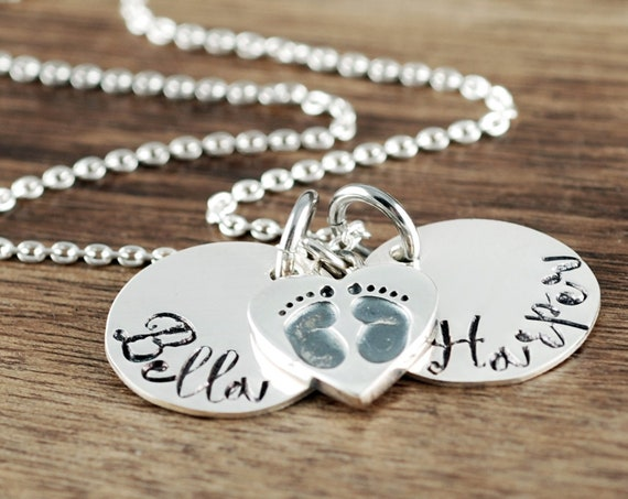 New Mom Necklace, Personalized Mom Jewelry, Gift for Mom, Mother's Necklace, Baby Feet Necklace, Mommy Necklace, Push Present, Gift for Mom