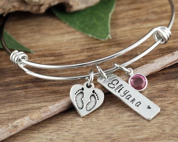 Mom Bracelet with Footprints, New Baby Bracelet, Personalized Jewelry for Mom, Mother's Bracelet, Baby Feet Mommy Bracelet, Push Present