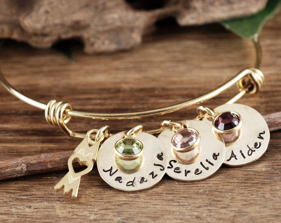 Gold Personalized Mom Bracelet, Gift for Mom, Mother's Bracelet, Mom Bracelet, Wire Bangle Bracelet, Mother's Day Gift Idea, Name Bracelet
