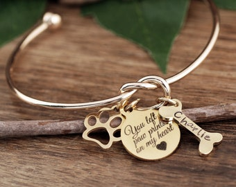 You left Paw Prints on my Heart, Personalized Pet Memorial Gift, Dog Mom Bracelet, Pet name Bracelet, Pet Jewelry, Dog Bone Bracelet