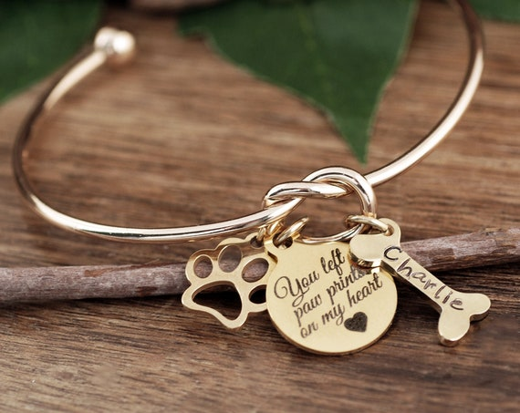 You left Paw Prints on my Heart, Personalized Pet Memorial Gift, Dog Mom Bracelet, Pet name Bracelet, Pet Jewelry, Dog Bone Bracelet