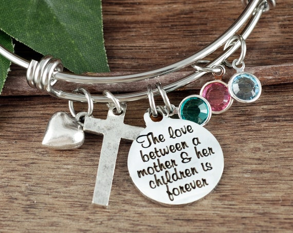The Love between a Mother and her Children is Forever, Personalized Mom Bracelet, Mother's Bangle Bracelet, Gift For Mom, Bracelet for Mom