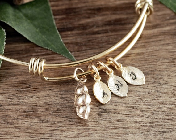 Pea in the Pod Bracelet, Pea in Pod Bracelet, Gold Grandma Bracelet, Grandmother Gift, Mothers Day Gift for Grandma, Gift for Mom