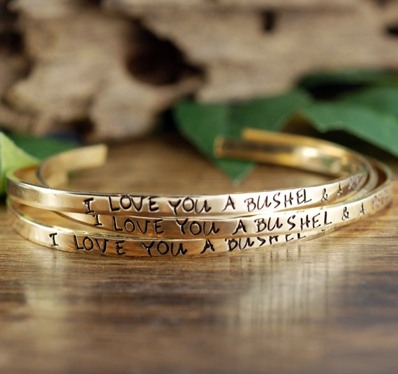 I love you a bushel and a peck Bracelet, Mommy Jewelry, Grandma Bracelet,Gift for Daughter, Gift for Mom, Stamped Bracelet, Mothers Day Gift