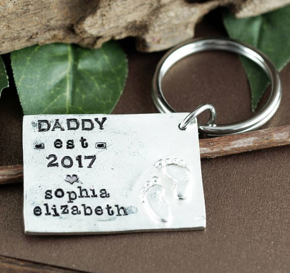 Personalized Dad KeyChain, Keychain for Dad, Gift for Dad, Father's Day Gift, est. dad keychain, New Dad Gift, For Dad from Kids, For Him
