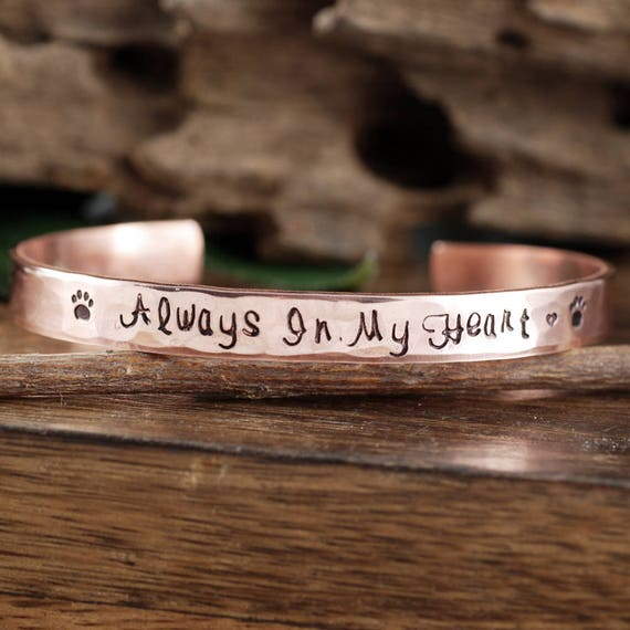 Personalized Pet Memorial Bracelet, Always in my Heart Bracelet, Personalized Dog Paw Cuff Bracelet, Sympathy Gift for Pet, Memorial Jewelry