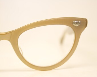 3f1bce45e2b7 Unused Brown Lucite Vintage Cat eye glasses cat eye frames NOS