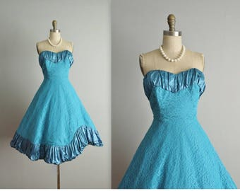 50's Prom Dress / Vintage 1950's Strapless Turquoise Lace Ruched Satin Shelf Bust Full Prom Wedding Party Cupcake Dress S
