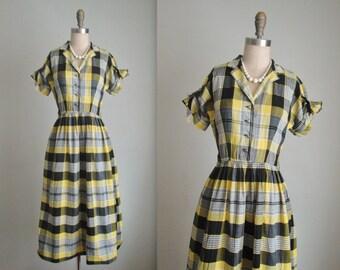 50's Plaid Shirtwaist Dress // Vintage 1950's Yellow Plaid Cotton Full Casual Shirtwaist Dress XS