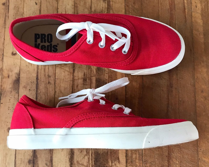 bbf2fbf5494bb Vintage Shoes / Pro Keds / Sneakers / Running Shoes / Red / Canvas / Lace  Up / 1990s Shoes / Designer / Size 7 / Spring Fashion / Easter