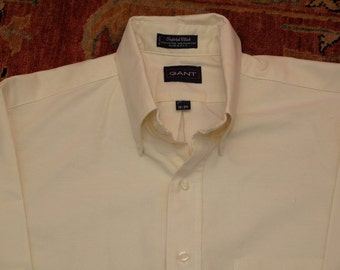 mens vintage off-white GANT oxford button up.