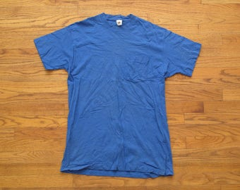 vintage Fruit of the Loom pocket tee