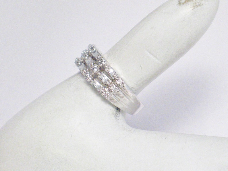 Sterling Silver ring diamond alternative cz gemstone 3 layer stacking band style sz 6.25 7.08 mm wide womens vintage fine jewelry