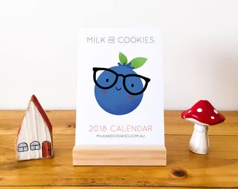 2018 Calendar, 2018 Desk Calendar with Wood Stand, Mini Desk Calendar, Small Desktop Calendar, Teacher Gift, Calendar 2018, Foodie Gifts