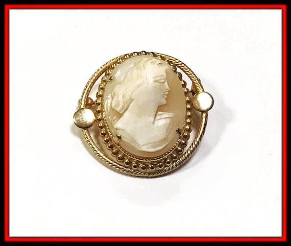 Vintage CAMEO PIN Hand Carved Brooch PRISTINE!