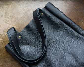 FOKS FORM Lea Bag 011, Minimal leather tote bag, handbag, shoulder bag, everyday leather shopper