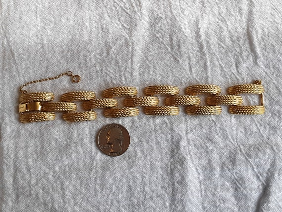 Cocktail Chunky Statement Piece Vintage Signed MONET Wide Curb Chain Textured Gold Toned Bracelet \u2013 Marked \u2013 Includes Safety Chain