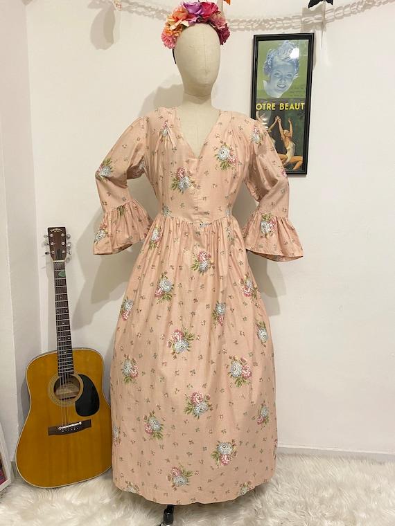 1970s-1980s Romantic Prairie Floral Maxi Dress, 19