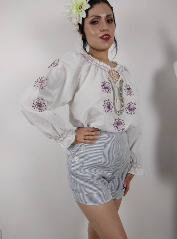 1970s does 1940s Embroidered Hungarian Peasant blo
