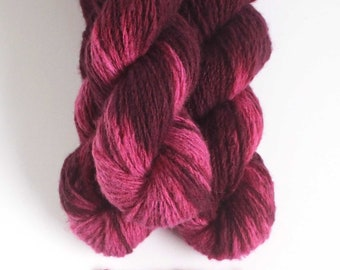HANDSPUN CASHMERE tie-dyed pink burgundy 100% cashmere worsted 2 ply knitting yarn Mallory