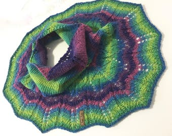 Knitted Lace Shawlette, Neckwarmer, Little short puncho