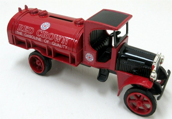 "Vintage ERTL #9243 ""Red Crown Gasoline"" 1925 Kenworth Tanker Truck Locking Coin Bank Made In Mexico"