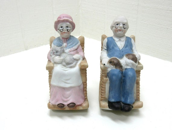 Vintage 1989 TMD Country collection Ceramic Grandma And Grandpa On Rocking Chairs With Cat And Dog