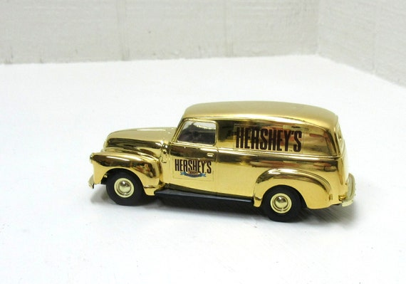 Ertl Hersheys 1950 Gold Chevy Panel Van 100TH Anniversary In Numbered Storage Tin Box Die-Cast 1:43