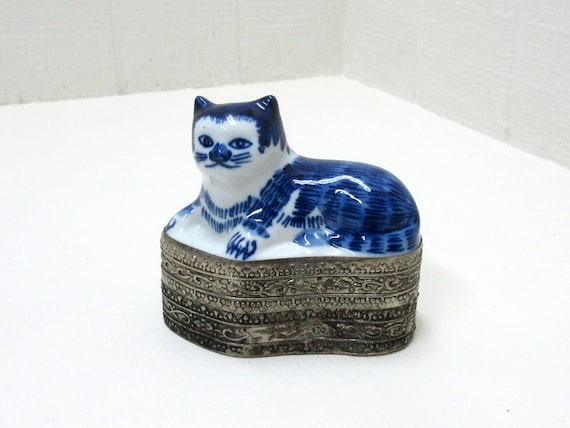 Vintage Blue China Cat Metal Trinket Box