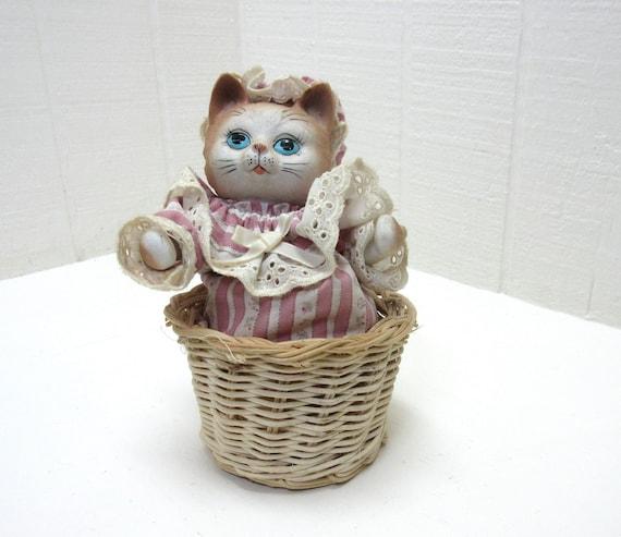 Vintage Animated Kitten Musical Wind Up Music Box Kitten In Wicker Basket Animatronic Music Box