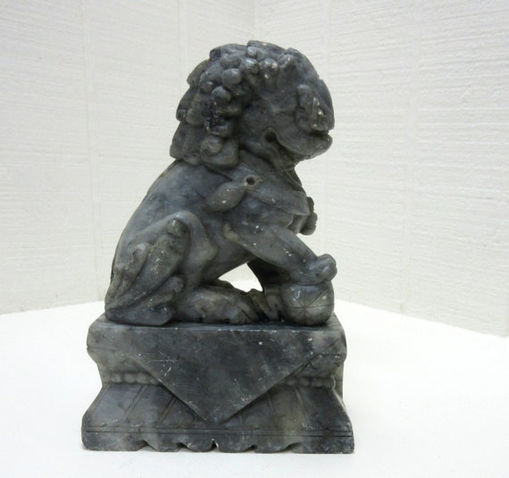 Vintage Hand Carved Beijing Chinese Stone Foo Dog/Temple Lion Figurine Statue